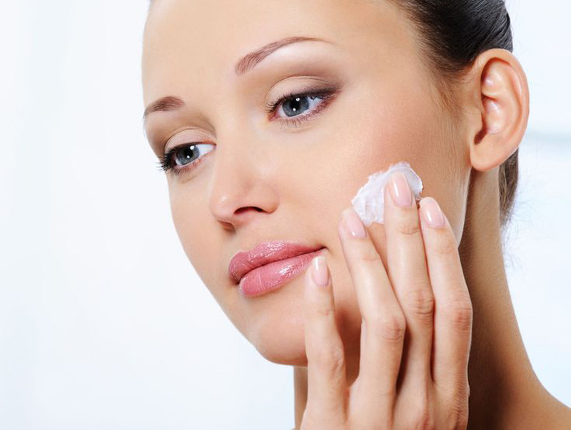 Why moisturiser is an effective anti-ageing product